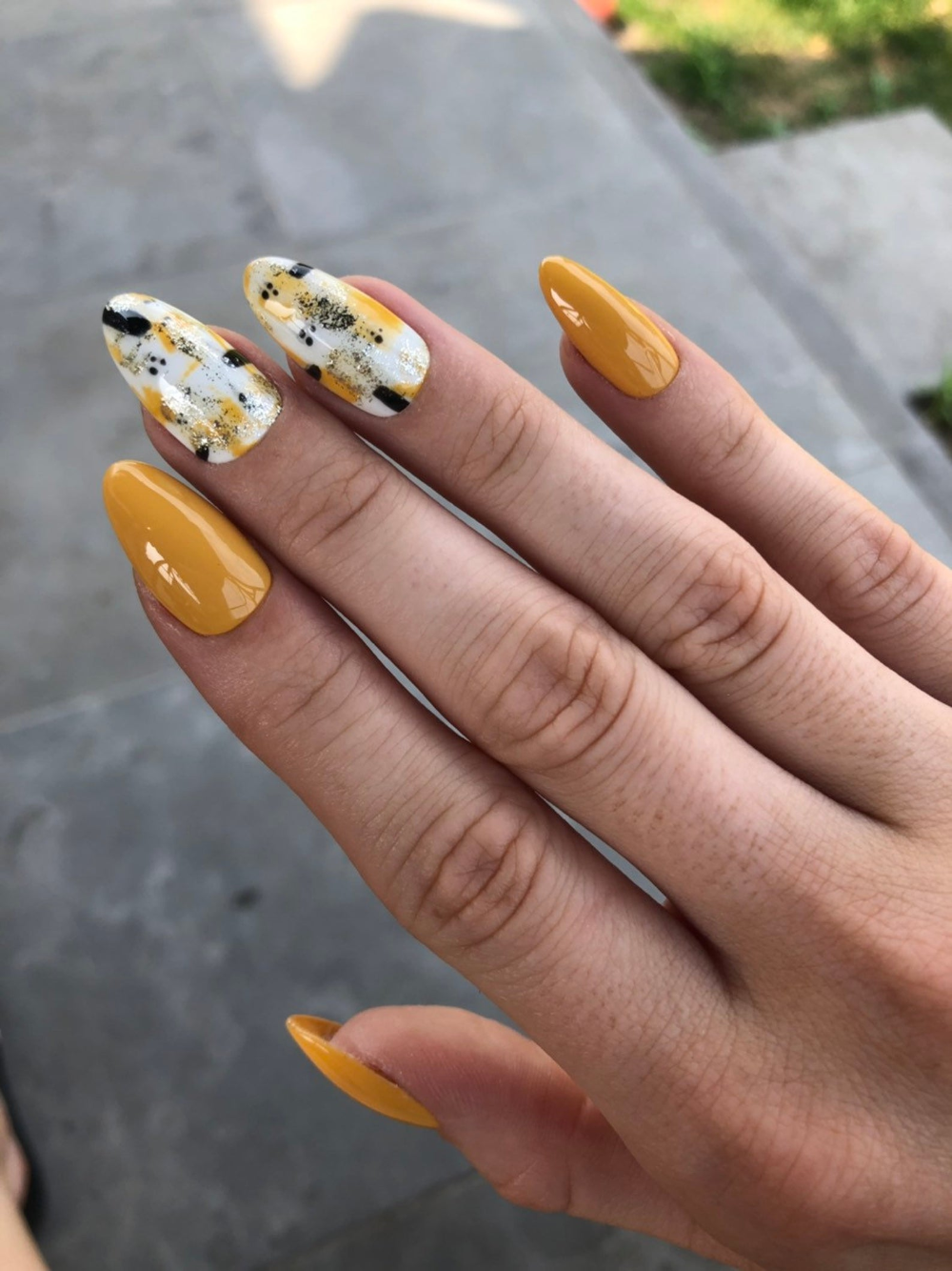 Yellow Mustard Black White Abstract Press On Nails Fake Nails Luxury Nails Press On In 2020 Nehty