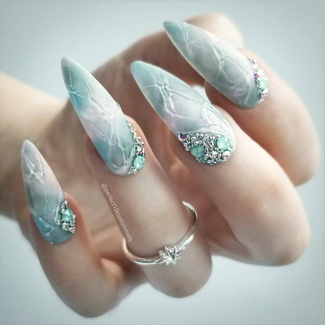 Perfect10customnails Nails Idea Stiletto Long Round Oval Hand Mani Design Blue Emerald Green Water Crystal Dlouhe Nehty