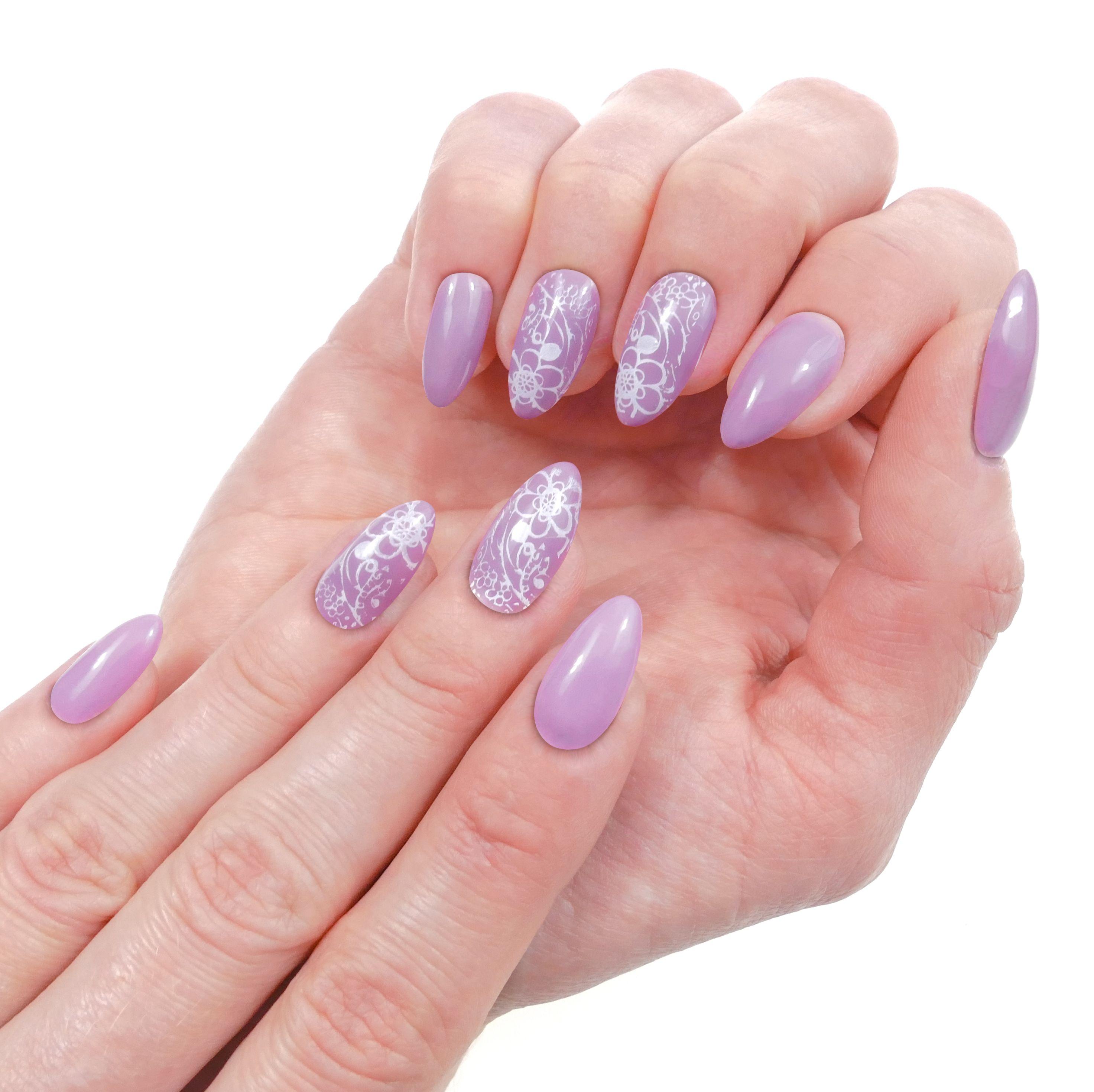 Jemny Design Vhodny Do Prace I Do Spolecnosti Fialovy Lila Odstin Nehtum Opravdu Slusi Naninails Manicure Nails Nailart Fialova Nail Art Nehty