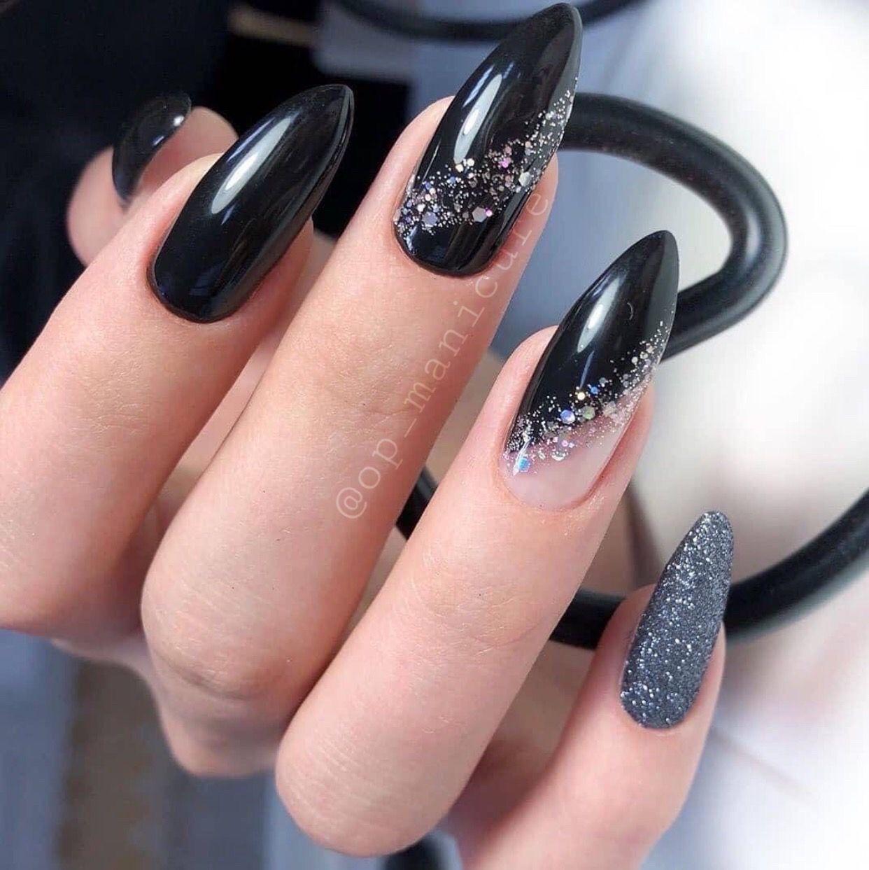 Pin By Z Petruzelkova On Zdena In 2020 Almond Nail Art Black Almond Nails Black Nail Designs