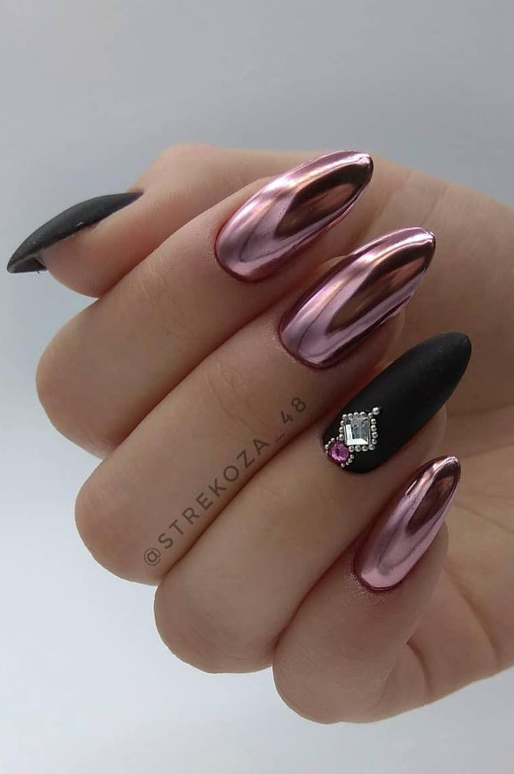 Nails Design Night Entertainment For 42 Festive And Bright Nail Art Ideas For New 2019 Page 8 Of 42 Design Nehtu Gelove Nehty A Nehet