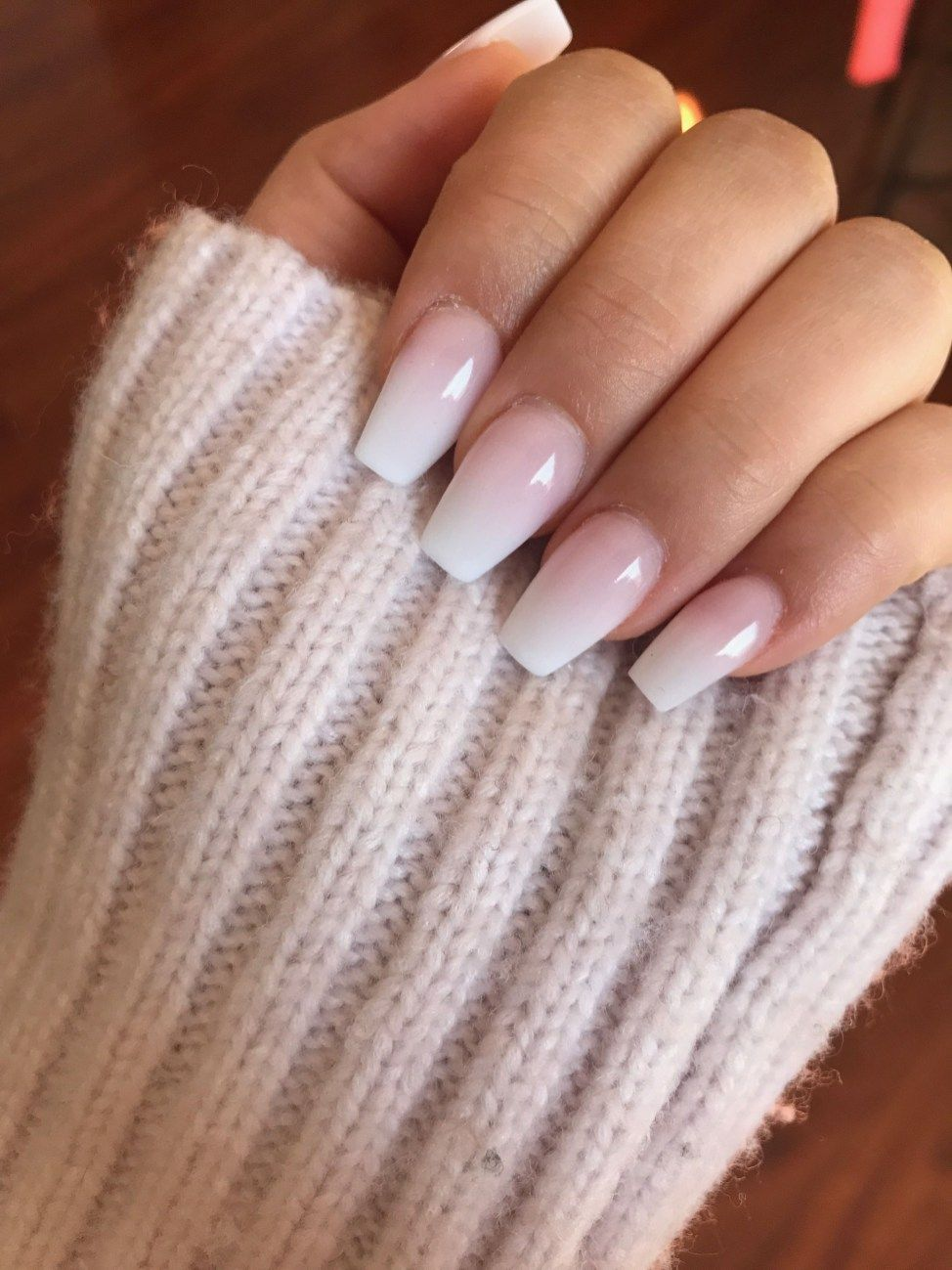 Beautiful Ombre Nail Ideas That Will Glam Your Look 05 Duhove Nehty Gelove Nehty Cervene Nehty