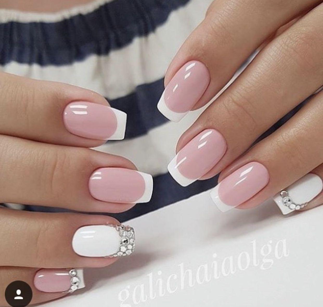 Pin By Lenka Keprtova On Nails Gelove Nehty Design Nehtu Akrylove Nehty