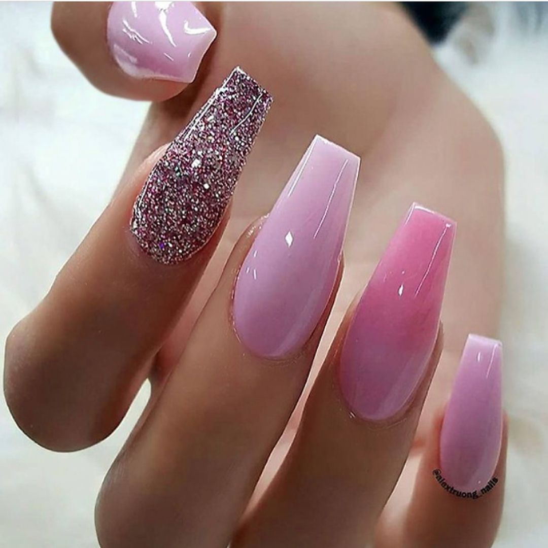 45 Best Nails Decorated With Nail Stickers 2019 Page 34 Of 45 Gelove Nehty Ombre Nehty Design Nehtu