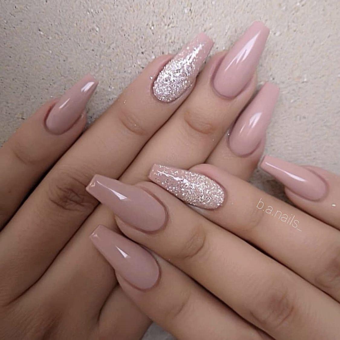 Pin By Beruska Sedmitecna On Nails Design Nehtu Umele Nehty Gelove Nehty