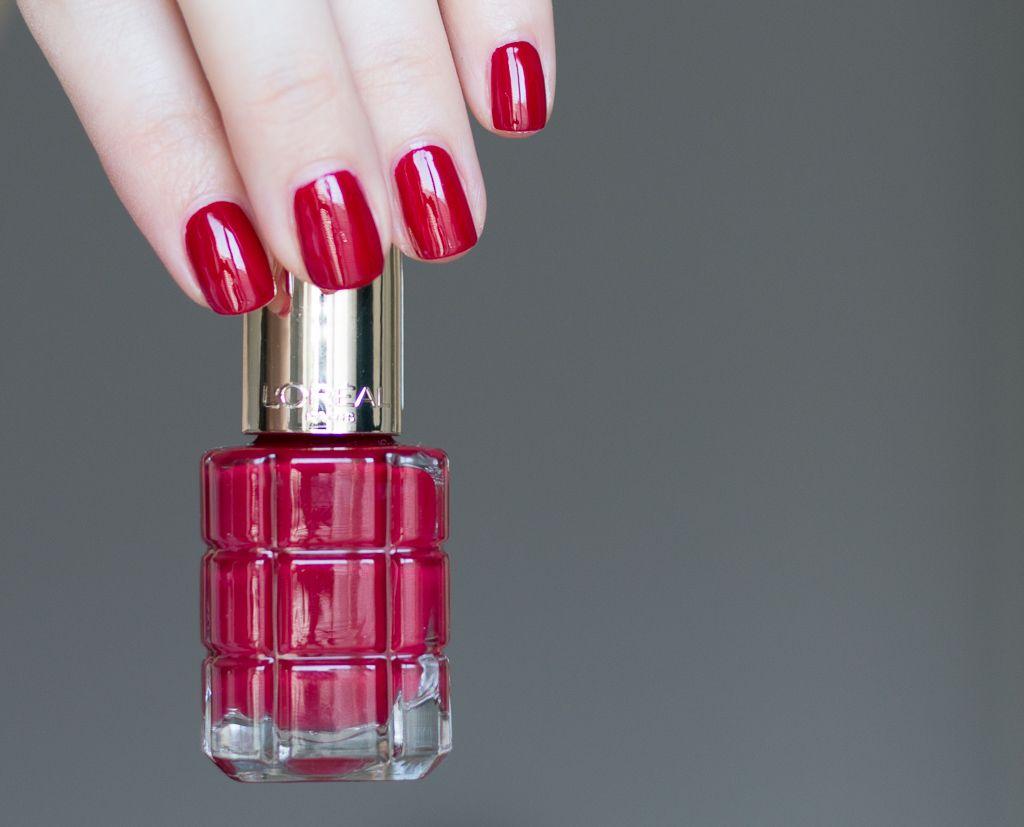 L Oreal Paris Color Riche Le Vernis A L Huile Nagellack 552 Rubis Folies Color Riche Nail Polish Beauty