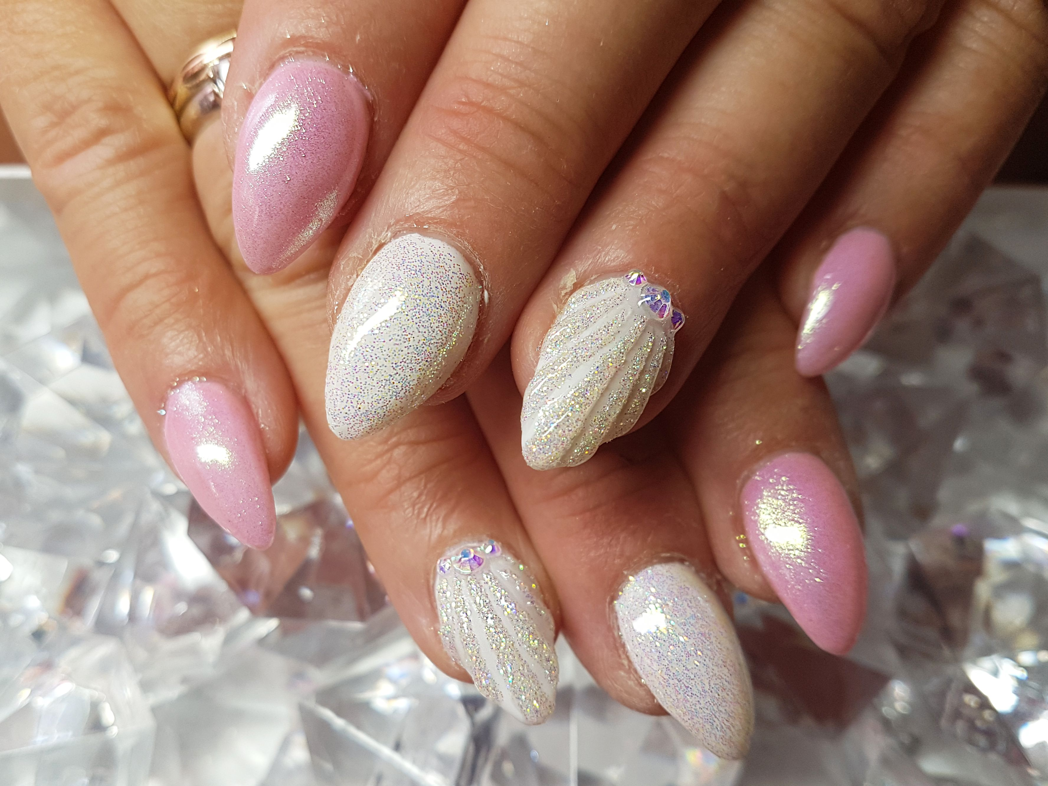 Summer Nails With Sea Shell Design