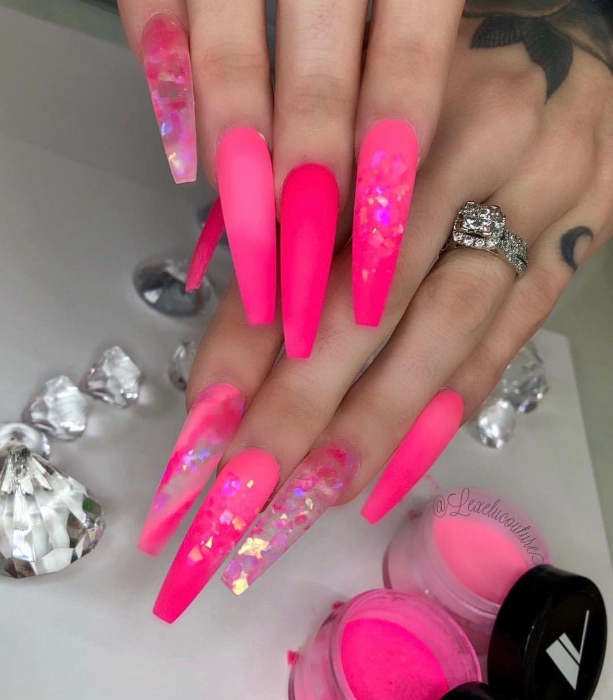 43 Romantic Pink Nail Color 2019 To Try Now Design Nehtu Nehty Nadherne Tetovani