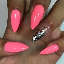 Neonové Růžové Nehty